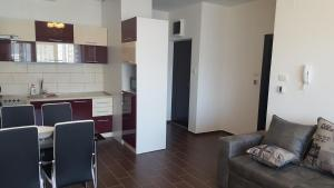 Apartment Gosposhtina 219, Apartmány  Budva - big - 77