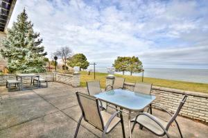 Niagara Lakeview Home, Holiday homes  Port Dalhousie - big - 36