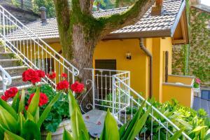 Villa Torretta, Гостевые дома  Варенна - big - 31
