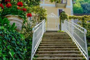 Villa Torretta, Гостевые дома  Варенна - big - 95