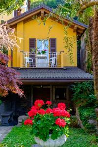 Villa Torretta, Гостевые дома  Варенна - big - 112