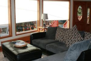 The Squawking Raven B&B - Accommodation - Wrangell