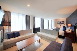 Queen Suite Room - Non Smoking - Annex