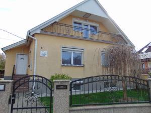Kata vendégház, Penziony  Bük (Bükfürdö) - big - 83