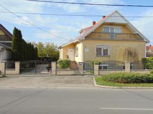 Kata vendégház, Penziony  Bük (Bükfürdö) - big - 1