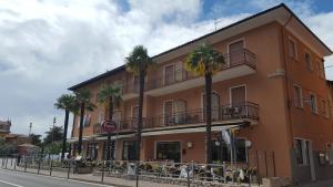 Hotel Firenze, Hotels  Malcesine - big - 35