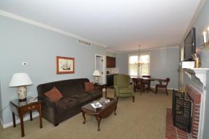 Century Suites Hotel