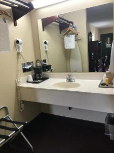 """Americas Best Value Inn & Suites - Little Rock - Maumelle"""