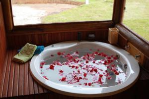 Chalet with Spa Bath