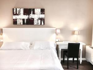 Hotel Carbonell, Hotely  Llança - big - 32