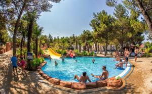 Bungalow Mobile Homes Solaris, Holiday parks  Šibenik - big - 25