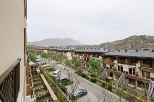 Beijing GuBei Water town Great Wall Yuanzhu Sweet Apartment, Apartments  Miyun - big - 17