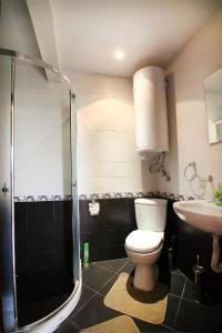 Sintria Court Premium, Art-Maisonettes & Panoramic Roof, Ferienwohnungen  Balchik - big - 18