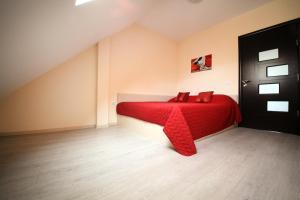 Sintria Court Premium, Art-Maisonettes & Panoramic Roof, Ferienwohnungen  Balchik - big - 13