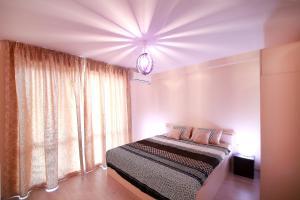 Sintria Court Premium, Art-Maisonettes & Panoramic Roof, Ferienwohnungen  Balchik - big - 12