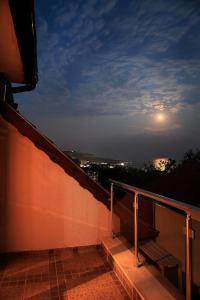 Sintria Court Premium, Art-Maisonettes & Panoramic Roof, Ferienwohnungen  Balchik - big - 20