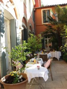 La Merci, Chambres d'hôtes, Bed & Breakfast  Montpellier - big - 65