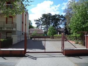 Sunny Apartman, Apartments  Siófok - big - 54
