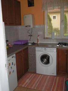 Pálfi Apartman, Апартаменты  Дьюла - big - 18