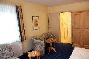 Hotel-Pension Falkensteiner, Hotels  Sankt Gilgen - big - 44