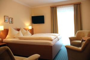 Hotel-Pension Falkensteiner, Hotels  Sankt Gilgen - big - 48
