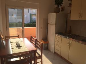 Sunny Rock Volme Apartments, Apartments  Banjole - big - 6