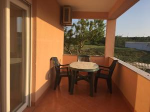 Sunny Rock Volme Apartments, Apartments  Banjole - big - 8