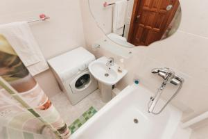 Apartment at Lermontova 15-2, Apartmanok  Jekatyerinburg - big - 2