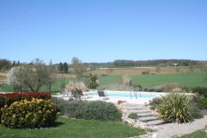 Domaine 3 Soleils, Bed and Breakfasts  Labastide-de-Lévis - big - 66