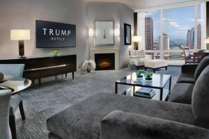 Trump International Hotel & Tower Chicago (1 of 51)