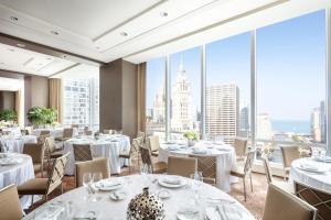 Trump International Hotel & Tower Chicago (10 of 51)
