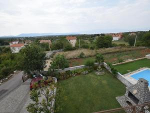 Apartments Gudelj, Apartmány  Malinska - big - 10