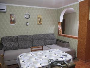 Apartment on Pobedy avenue, Apartmány  Nova Kakhovka - big - 40