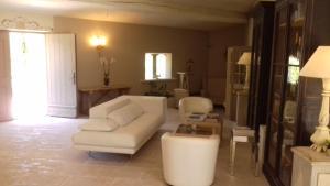 Hostellerie Le Roy Soleil, Hotely  Ménerbes - big - 37