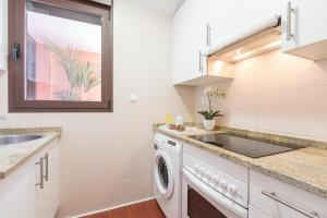 Home Club San Joaquin Apartments, Apartmány  Madrid - big - 23