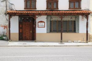 Hostal La Toba