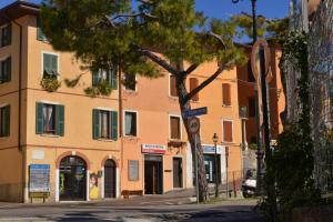 Taverna Affittacamere, Penziony  Gardone Riviera - big - 19