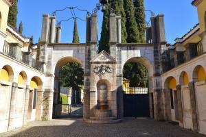 Taverna Affittacamere, Penziony  Gardone Riviera - big - 17