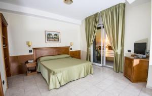 Grand Hotel Victoria, Отели  Баньара-Калабра - big - 21