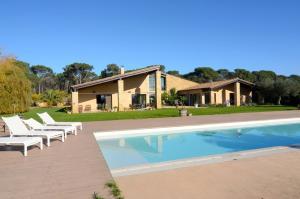 Villa Esclanya, Villen  Begur - big - 1