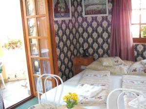 Ilona Kis Kastély Panzió, Guest houses  Keszthely - big - 20
