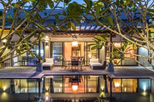 New Modern Pool Villa, Vily  Chalong  - big - 17