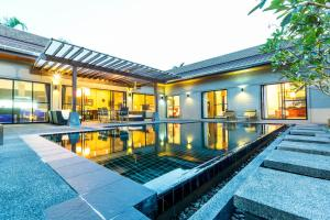 New Modern Pool Villa, Vily  Chalong  - big - 20