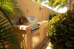 Gold Coast Diamante 14, Apartments  Palm-Eagle Beach - big - 11