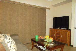 Gold Coast Diamante 14, Apartments  Palm-Eagle Beach - big - 5