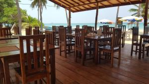 Pigeon Beach Hotel, Hotely  Nilaveli - big - 38