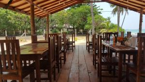 Pigeon Beach Hotel, Hotely  Nilaveli - big - 32