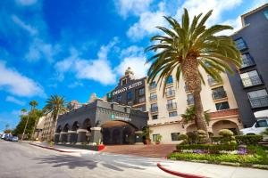 Embassy Suites Los Angeles - International Airport South