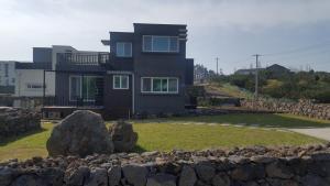 D2 House, Holiday homes  Jeju - big - 3