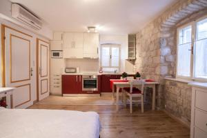 Apartment & Room Ursa, Ferienwohnungen  Trogir - big - 5